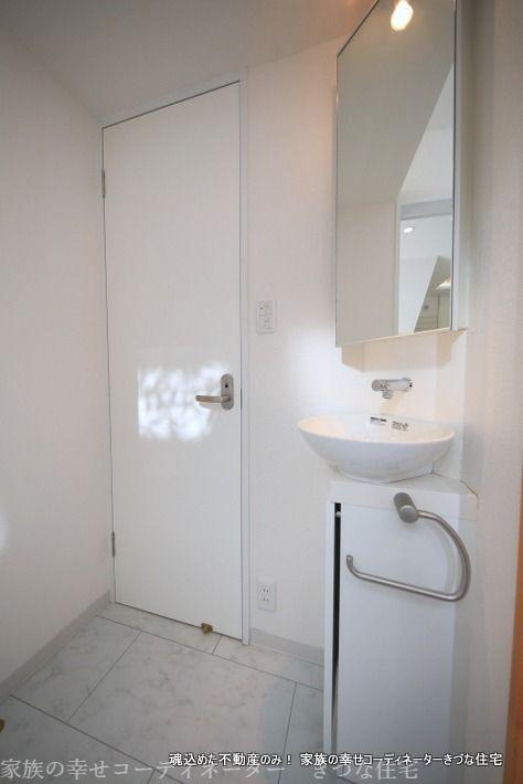 帰宅の際の手洗いにも、トイレ後の手洗いにも使える便利な洗面